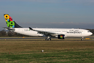Afriqiyah Airways Airbus A330-202 TS-ONH (msn 1043) LGW (Antony J. Best). Image: 904427.