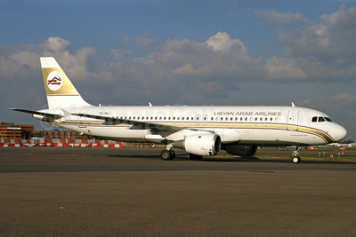 Libyan Arab Airlines (Libyan Airlines) (Nouvelair) Airbus A320-211 TS-INJ (msn 025) LHR (Antony J. Best). Image: 902972.