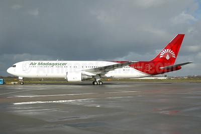 Air Madagascar Boeing 767-3S1 ER 5R-MFF (msn 25221) AMS (Ton Jochems). Image: 954037.