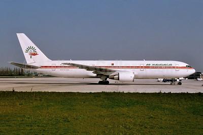 Air Madagascar Boeing 767-36N ER 5R-MFD (msn 29898) AMS (Ton Jochems). Image: 954036.