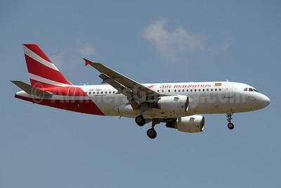 Air Mauritius Airbus A319-112 3B-NBF (msn 1592) JNB (Paul Denton). Image: 934759.