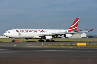 Air Mauritius Airbus A340-313 3B-NBE (msn 268) AMS (Ton Jochems). Image: 943149.