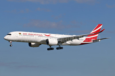 """Le Morne Brabant"", the first Air Mauritius A350"