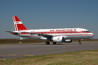 Air Mauritius Airbus A319-112 3B-NBF (msn 1592) JNB (Ton Jochems). Image: 954042.