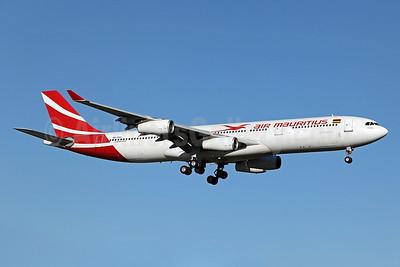 Air Mauritius Airbus A340-312 3B-NAU (msn 076) SYD (John Adlard). Image: 906792.