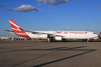 Air Mauritius Airbus A340-313 3B-NBE (msn 268) LHR (SPA). Image: 932843.