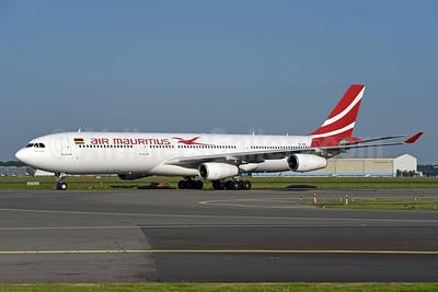 Air Mauritius Airbus A340-313 3B-NBE (msn 268) AMS (Ton Jochems). Image: 943148.