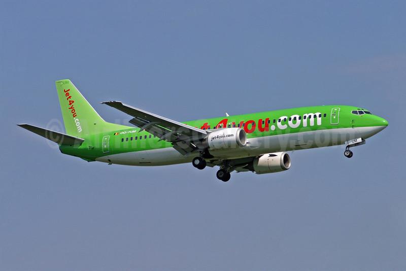 Jet4you (Jet4you.com) Boeing 737-4B3 OO-TUM (msn 24750) LGW (Antony J. Best). Image: 902813.