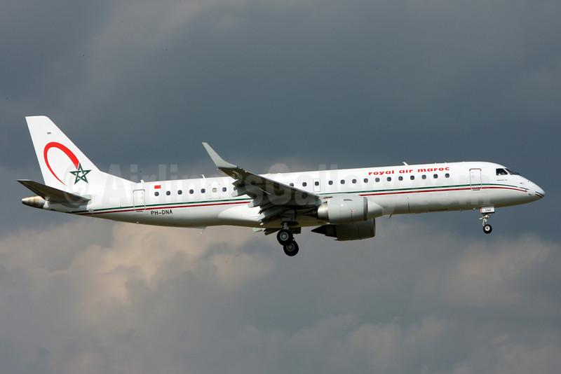 Royal Air Maroc (Denim Air) Embraer ERJ 190-100 IGW PH-DNA (msn 19000372) ZRH (Andi Hiltl). Image: 913090.