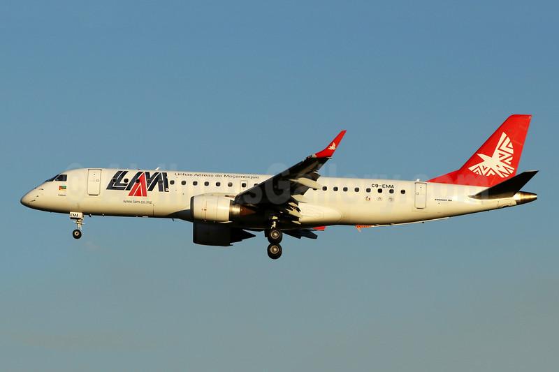 LAM-Linhas Aereas de Mocambique Embraer ERJ 190-100 IGW C9-EMA (msn 19000301) JNB (Michael Stappen). Image: 906763.
