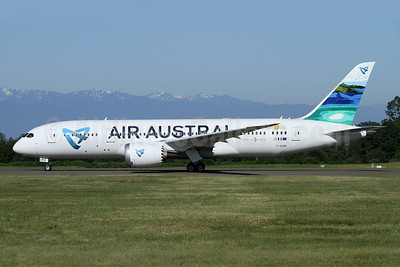 """""""Mayotte"""", Air Austral's first Boeing 787-8 Dreamliner"""