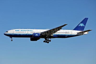 Air Austral Boeing 777-2Q8 ER F-ORUN (msn 28676) SYD (John Adlard). Image: 904878.