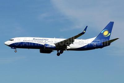 RwandAir Boeing 737-84Y WL 9XR-WG (msn 40893) JNB (Jonathan Druion). Image: 946040.