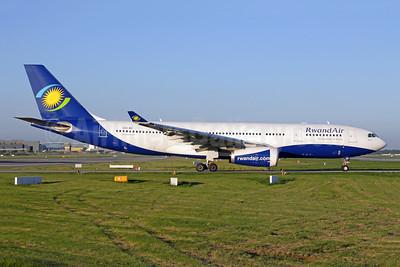 RwandAir Airbus A330-243 9XR-WN (msn 1741) LGW (Antony J. Best). Image: 942325.