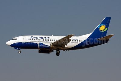 RwandAir Boeing 737-55D 9XR-WD (msn 27416) JNB (Michael Stappen). Image: 906849.