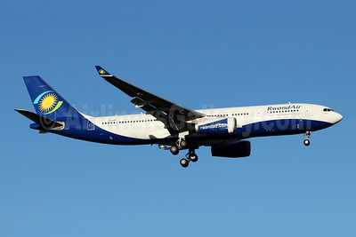RwandAir Airbus A330-243 9XR-WN (msn 1741) JNB (Jonathan Druion). Image: 946043.