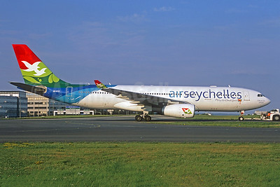 Air Seychelles (Etihad Airways) Airbus A330-243 A6-EYZ (msn 807) CDG (Jacques Guillem Collection). Image: 942361.