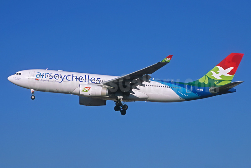 Air Seychelles (Etihad Airways) Airbus A330-243 A6-EYZ (msn 807) CDG (Christian Volpati Collection). Image: 931621.
