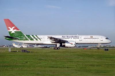 Air Seychelles Boeing 757-28A S7-AAX (msn 25622) LGW (Antony J. Best). Image: 932421.