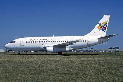 Flair Afrique (Executive Aerospace) Boeing 737-2R8C ZS-OWM (msn 21711) JNB (Christian Volpati Collection). Image: 951867.