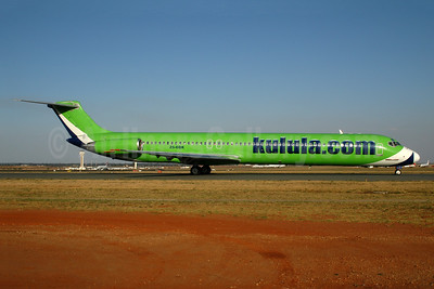 Kulula (kulula.com) McDonnell Douglas DC-9-81 (MD-81) ZS-OBK (msn 49115) JNB (Ton Jochems). Image: 954129.