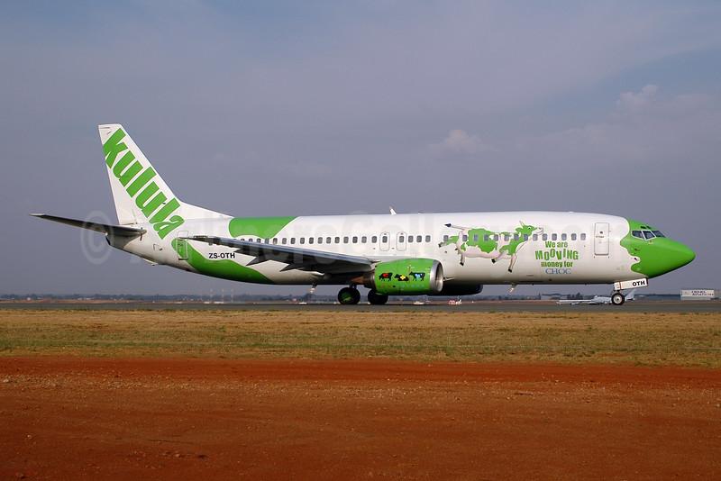 Kulula (kulula.com) Boeing 737-436 ZS-OTH (msn 25841) (Cow Parade) JNB (Christian Volpati). Image: 905522.