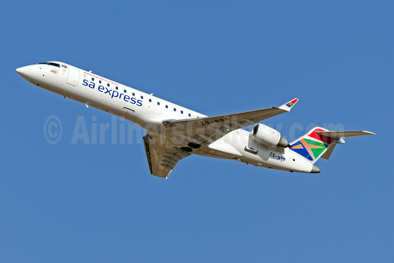 SA Express (South African Express Airways) Bombardier CRJ700 (CL-600-2C10) ZS-NBF (msn 10028) JNB (Felix Gottwald). Image: 907456.