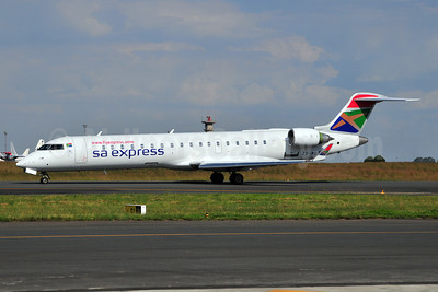 SA Express (South African Express Airways) Bombardier CRJ700 (CL-600-2C10) ZS-NLT (msn 10024) JNB (Ton Jochems). Image: 904770.