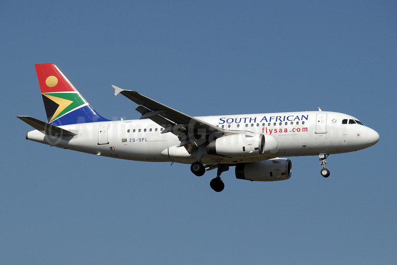 South African Airways Airbus A319-131 ZS-SFL (msn 2438) JNB (Paul Denton). Image: 910189.