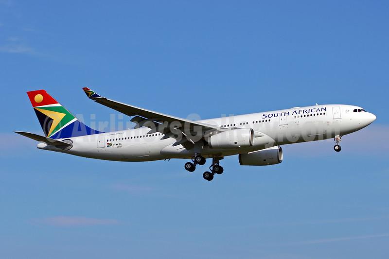 South African Airways Airbus A330-243 F-WWKL (ZS-SXZ) (msn 1191) TLS (Eurospot). Image: 905952.