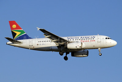 South African Airways Airbus A319-131 ZS-SFJ (msn 2379) JNB (Paul Denton). Image: 910188.