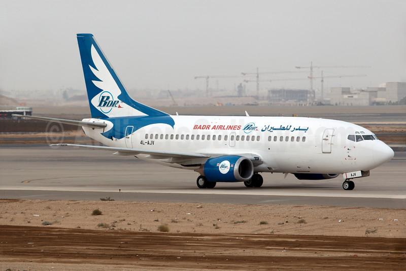 Badr Airlines (Vista Georgia) Boeing 737-5H6 4L-AJV (msn 27356) JED (Bailey). Image: 931319.