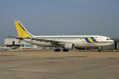 Sudan Airways Airbus A300B4-622R ST-ATA (msn 775) LHR (SPA). Image: 954428.
