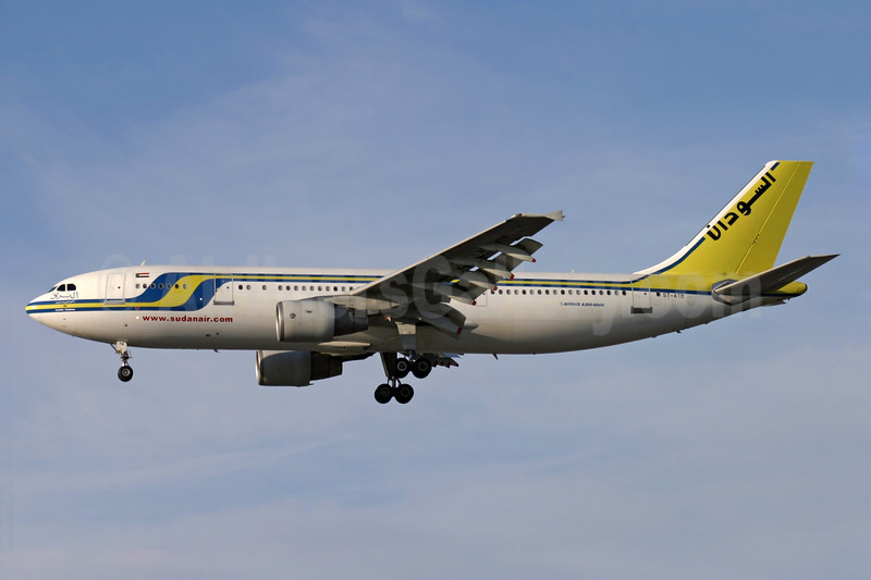 Sudan Airways Airbus A300B4-622R ST-ATB (msn 666) LHR (Antony J. Best). Image: 900089.