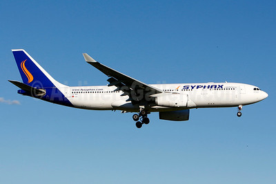 Syphax Airlines (FlySyphax.com) Airbus A330-243 TS-IRA (msn 345) YUL (Gilbert Hechema). Image: 926984.