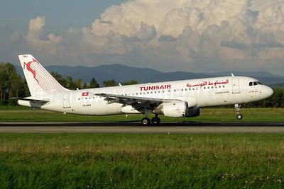 Tunisair Airbus A320-211 TC-IMD (msn 205) BSL (Paul Bannwarth). Image: 926358.