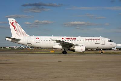 Tunisair Airbus A320-211 TC-IMP (msn 1700) LHR (SPA). Image: 929006.