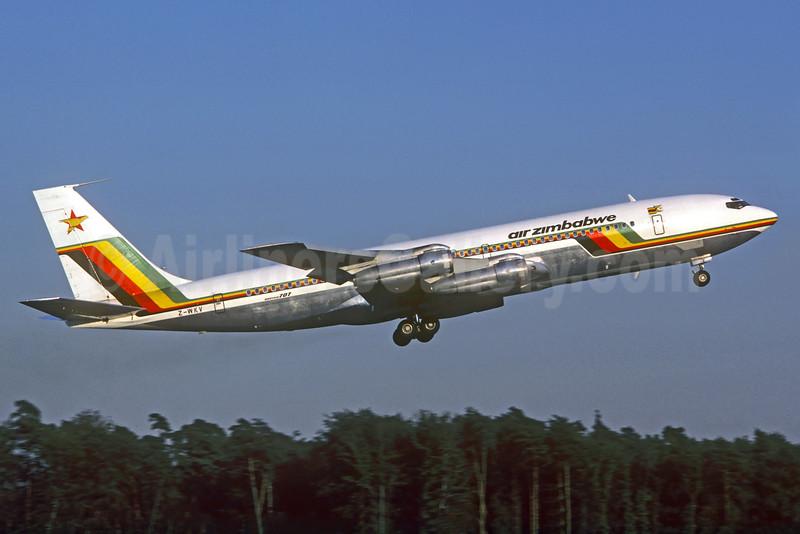 Air Zimbabwe Boeing 707-330B Z-WKV (msn 18927) FRA (Christian Volpati Collection). Image: 930606.