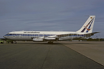 Air Zimbabwe Boeing 720-025 VP-YNL (msn 18162) (Air Rhodesia colors) CPH (Christian Volpati Collection). Image: 907474.