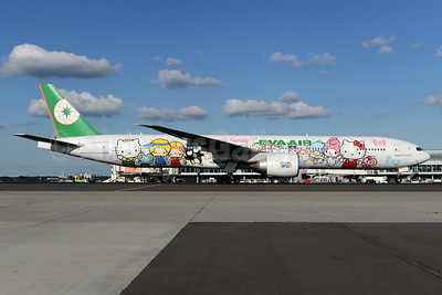 EVA Air Boeing 777-35E ER B-16703 (msn 32643) (Hello Kitty - Sanrio Family) AMS (Ton Jochems). Image: 933063.