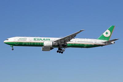EVA Air Boeing 777-35E ER B-16717 (msn 32644) LAX (Michael B. Ing). Image: 933064.