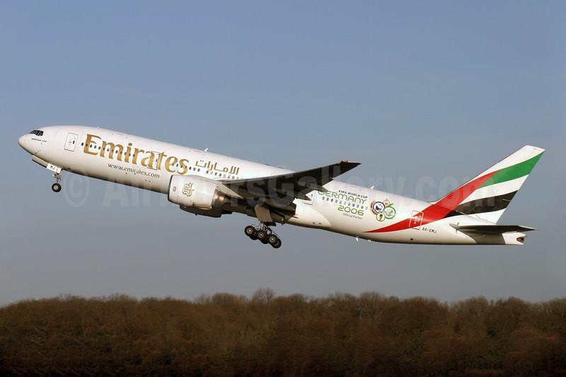 Emirates Airline Boeing 777-21H ER A6-EMJ (msn 27253) (Word Cup Germany 2006) LGW (Antony J. Best). Image: 900538.