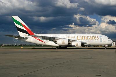 Emirates Airline Airbus A380-861 A6-EEN (msn 135) (Expo 2020 Dubai UAE) LHR. Image: 933974.