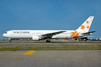 Israir (Icelandair) Boeing 767-383 ER TF-FIC (msn 24846) JFK (Carlos Borda). Image: 934404.