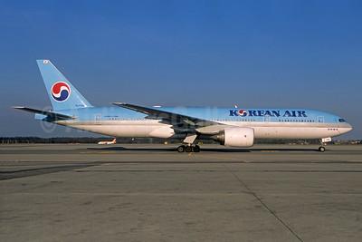 Korean Air Boeing 777-2B5 ER HL7766 (msn 34213) (Christian Volpati Collection). Image: 934441.