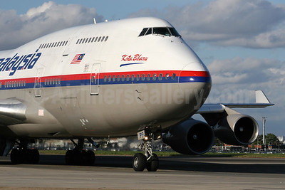 Malaysia Airlines Boeing 747-4H6 9M-MPF (msn 27043) LHR. Image: 924622.