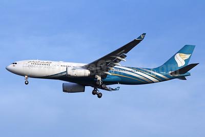 Oman Air Airbus A330-243 A40-DF (msn 1120) BKK (Michael B. Ing). Image: 933019.