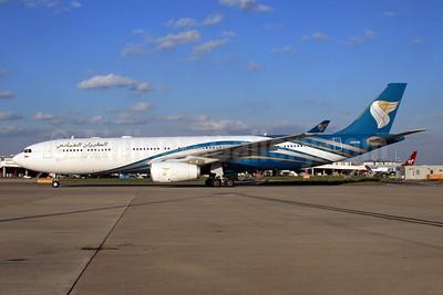 Oman Air Airbus A330-343 A40-DE (msn 1093) LHR. Image: 933021.