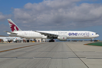 Qatar Airways Boeing 777-3DZ ER A7-BAF (msn 37661) (Oneworld) LAX. Image: 934222.