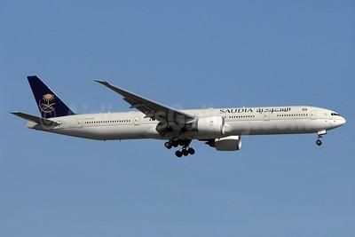 Saudia (Saudi Arabian Airlines) Boeing 777-368 ER HZ-AK30 (msn 42268) YYZ (TMK Photography). Image: 934428.